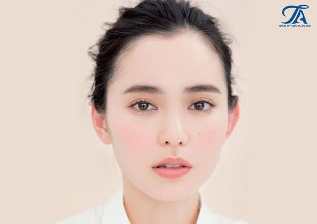 3 cách trẻ hóa vùng mắt, giúp các chị em tuổi 30+ tự tin hơn - Ảnh 4.