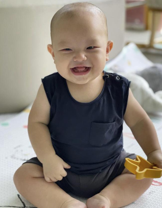 Bé Leon nhà Hồ Ngọc Hà đã bập bẹ nói khi mới 8 tháng tuổi, bố mẹ cũng muốn con nói sớm thì ghi nhớ ngay những điều này - Ảnh 2.