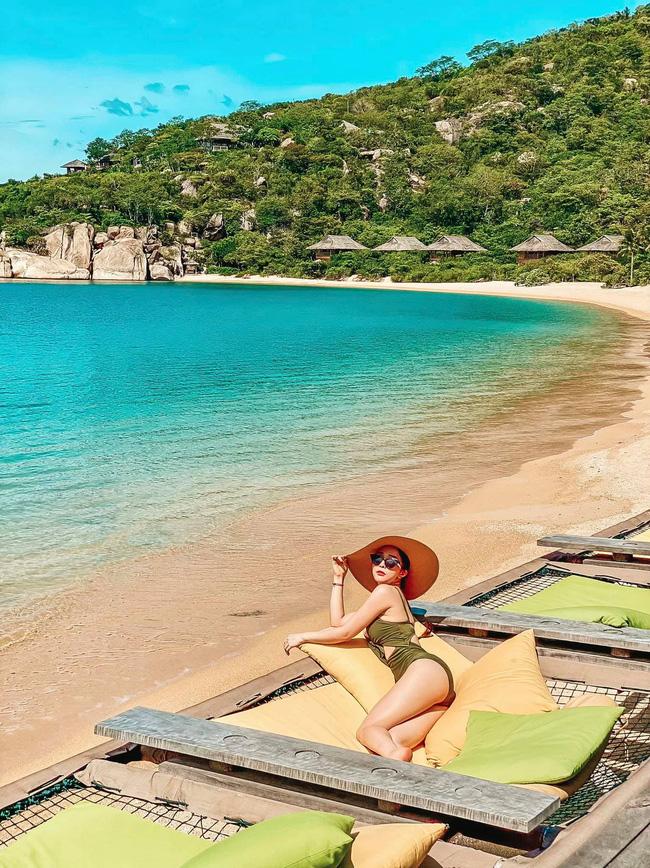 """Quỳnh Nga khoe body siêu nóng bỏng khi diện bikini, Việt Anh ngay lập tức """"bóng gió"""" điều này  - Ảnh 1."""