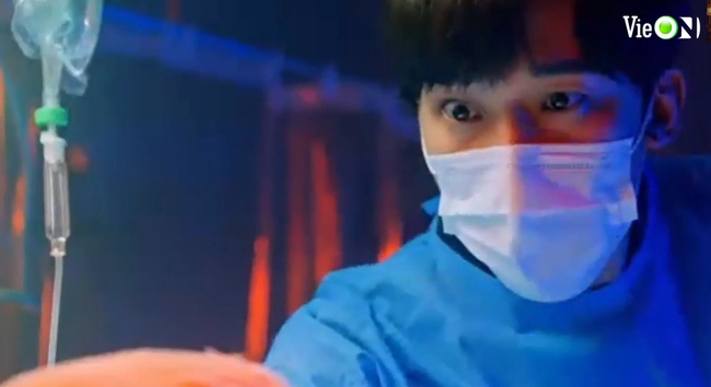 Cuộc chiến thượng lưu 3 tập 7: Seok Hoon trở thành tội đồ ngu ngốc, cứu sống Ju Dan Tae còn trở mặt với Ro Na - Ảnh 12.