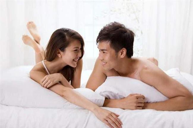 """Cô vợ bắt trend dùng ngôn ngữ lạ khi """"ân ái"""" cùng chồng, nhập vai """"đại tỷ"""" khiến đối phương thăng hoa bất ngờ - Ảnh 2."""