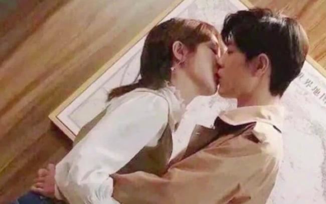Quãng đời còn lại xin chỉ giáo nhiều của Tiêu Chiến - Dương Tử định ngày 5/8 lên sóng, netizen đào bới cảnh hôn môi - Ảnh 3.