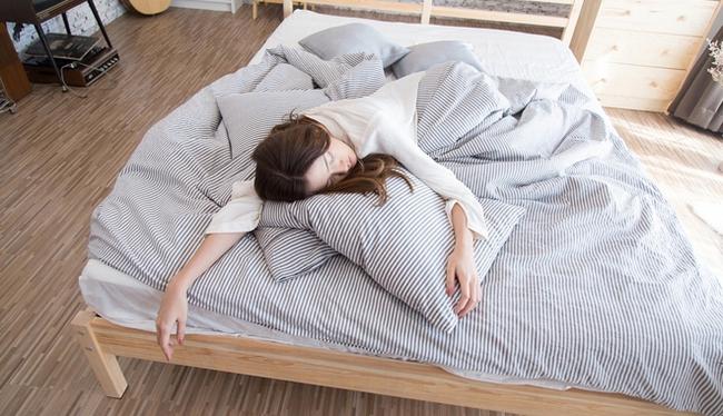 7 việc đừng bao giờ làm trong những ngày giãn cách xã hội vì sẽ khiến hệ miễn dịch của bạn suy yếu, tăng nguy cơ mắc bệnh - Ảnh 4.