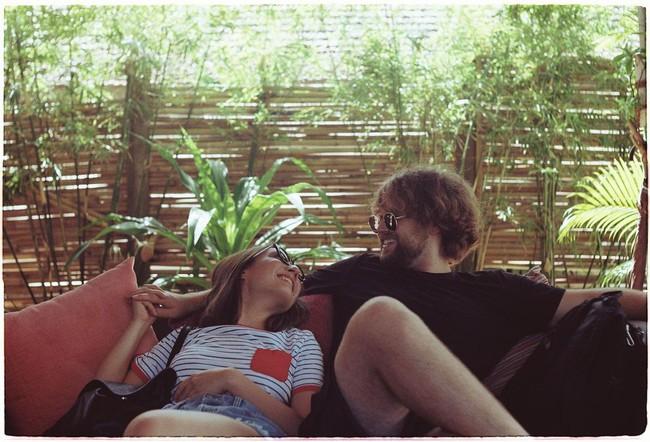 """Hai cô con gái nhà diva Mỹ Linh khi chụp hình với bạn trai: Bên chọn style đơn giản, bên """"chất chơi"""" chuẩn gen Z - Ảnh 6."""