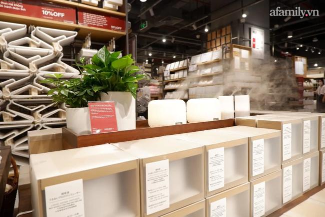 Cận cảnh store MUJI Hà Nội trước ngày khai trương với loạt sản phẩm từ thời trang đến đồ dùng gia đình xinh hết nấc - Ảnh 3.