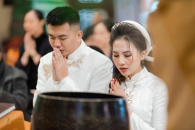 Hoa khôi báo chí vừa lộ ảnh đám cưới xa hoa bất ngờ ẩn trang cá nhân khiến dân mạng càng thêm tò mò - Ảnh 3.