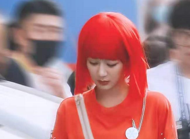Dương Tử xuất hiện với tóc đỏ, khác lạ đến mức không nhận ra nàng Cẩm Mịch của Hương mật tựa khói sương - Ảnh 4.