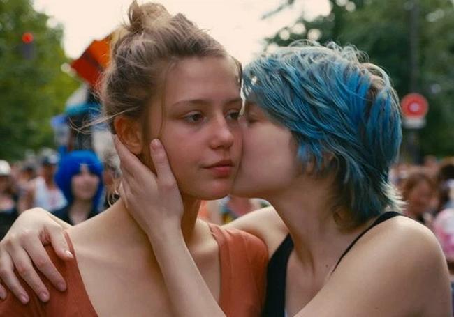 Phim 18+ Blue Is The Warmest Colour: Cảnh nóng đồng tính nữ dữ dội hay khát khao được sống là chính mình của mọi cô gái? - Ảnh 2.