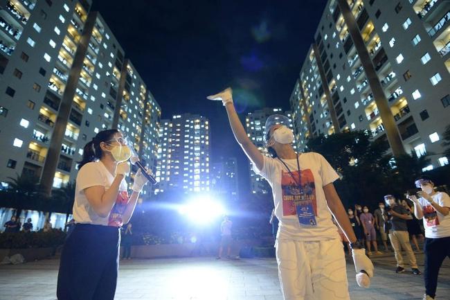 """Giữa mùa dịch, có một đêm nhạc """"hoành tráng"""" với sự góp mặt của Hoa hậu H'Hen Niê, ca sĩ Phương Thanh đã diễn ra nhưng với mục đích bất ngờ - Ảnh 6."""