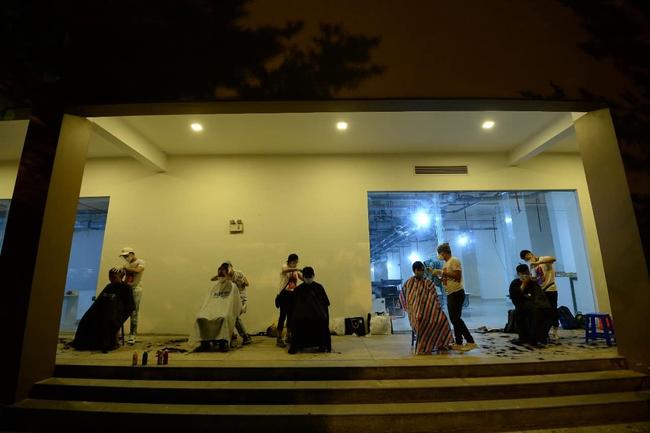 """Giữa mùa dịch, có một đêm nhạc """"hoành tráng"""" với sự góp mặt của Hoa hậu H'Hen Niê, ca sĩ Phương Thanh đã diễn ra nhưng với mục đích bất ngờ - Ảnh 8."""