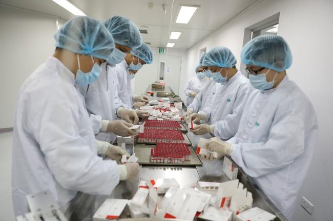 Hình ảnh: Quy trình gia công lô vaccine Sputnik V đầu tiên của Nga tại Việt Nam - Ảnh 11.