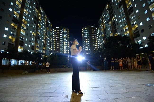 """Giữa mùa dịch, có một đêm nhạc """"hoành tráng"""" với sự góp mặt của Hoa hậu H'Hen Niê, ca sĩ Phương Thanh đã diễn ra nhưng với mục đích bất ngờ - Ảnh 3."""