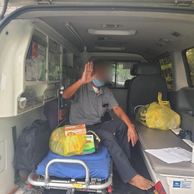 Bệnh nhân xuất viện sau gần 1 tháng điều trị tích cực tại Bệnh viện Nhiệt đới Trung ương - Ảnh 1.