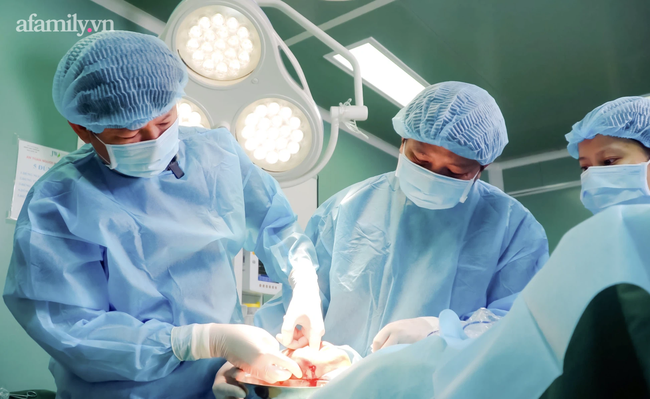 Cô gái tiêm filler bị hoại tử mặt nặng cầu cứu bệnh viện thẩm mỹ giữa lúc đang giãn cách vì dịch COVID-19 - Ảnh 3.