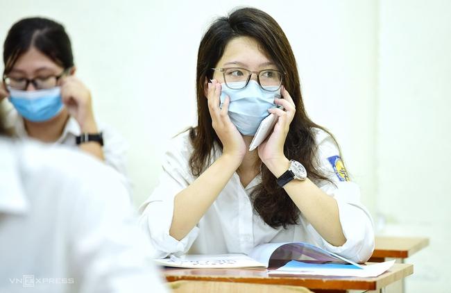 Điểm chuẩn xét học bạ tuyển sinh ĐH: Những ngành nào đang hút thí sinh? - Ảnh 1.