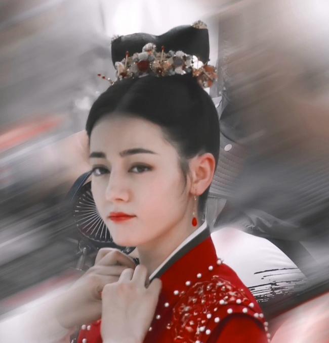 Full ảnh cận mặt cực đẹp của Địch Lệ Nhiệt Ba khi quay phim cùng Cung Tuấn, nhà gái vẫn là hợp nhất với màu đỏ  - Ảnh 6.