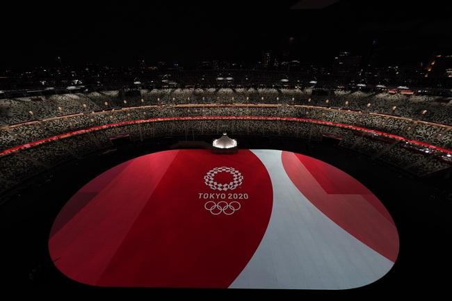 Lễ khai mạc Olympic Tokyo 2020: Rực rỡ sắc màu - Ảnh 1.