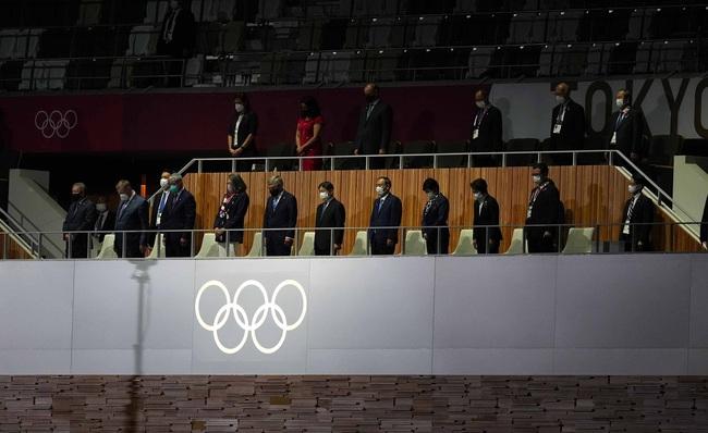 Lễ khai mạc Olympic Tokyo 2020: Rực rỡ sắc màu, mang nhiều thông điệp ý nghĩa - Ảnh 11.
