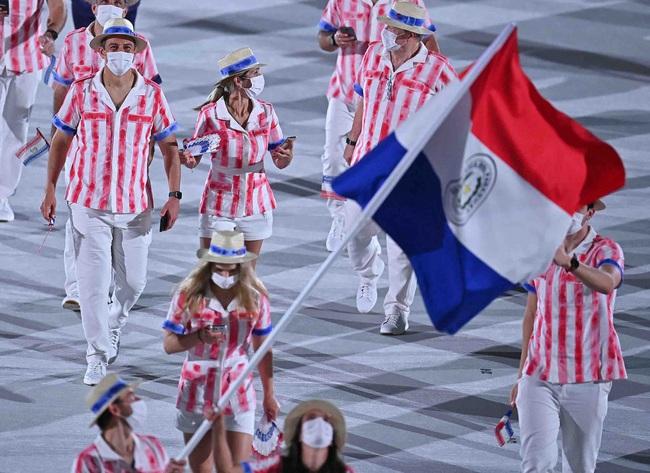 Lễ khai mạc Olympic Tokyo 2020: Rực rỡ sắc màu, đoàn thể thao Việt Nam xuất hiện tràn đầy nhiệt huyết - Ảnh 27.