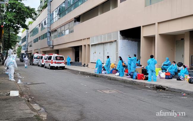 Cận cảnh phòng điều trị của Bệnh viện dã chiến số 5 tại Thuận Kiều Plaza vừa chính thức tiếp nhận F0 - Ảnh 10.