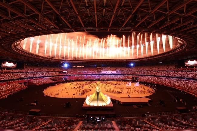 Lễ khai mạc Olympic Tokyo 2020: Rực rỡ sắc màu, đoàn thể thao Việt Nam xuất hiện tràn đầy nhiệt huyết - Ảnh 37.