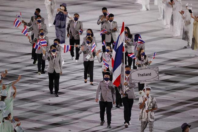 Lễ khai mạc Olympic Tokyo 2020: Rực rỡ sắc màu, đoàn thể thao Việt Nam xuất hiện tràn đầy nhiệt huyết - Ảnh 30.