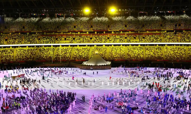 Lễ khai mạc Olympic Tokyo 2020: Rực rỡ sắc màu, đoàn thể thao Việt Nam xuất hiện tràn đầy nhiệt huyết - Ảnh 32.