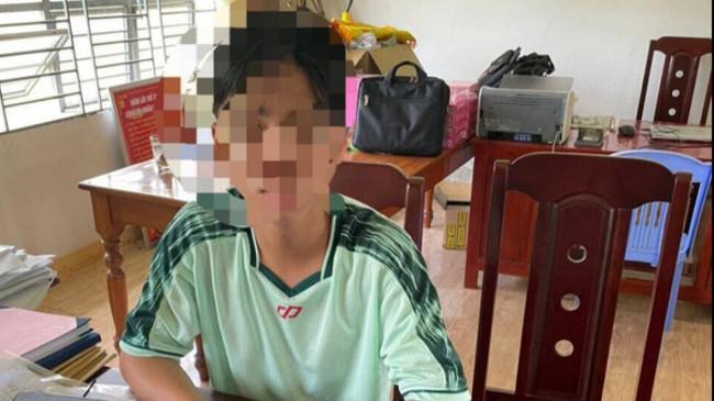 Nam sinh lớp 9 sát hại thầy Hiệu trưởng bằng 13 nhát dao: Có chơi cờ bạc và bị bố mẹ la mắng nên bỏ nhà đi - Ảnh 1.