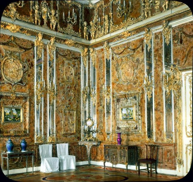 """Bí ẩn căn phòng vàng chứa hổ phách trị giá nghìn tỷ đồng """"không cánh mà bay"""" - Ảnh 1."""