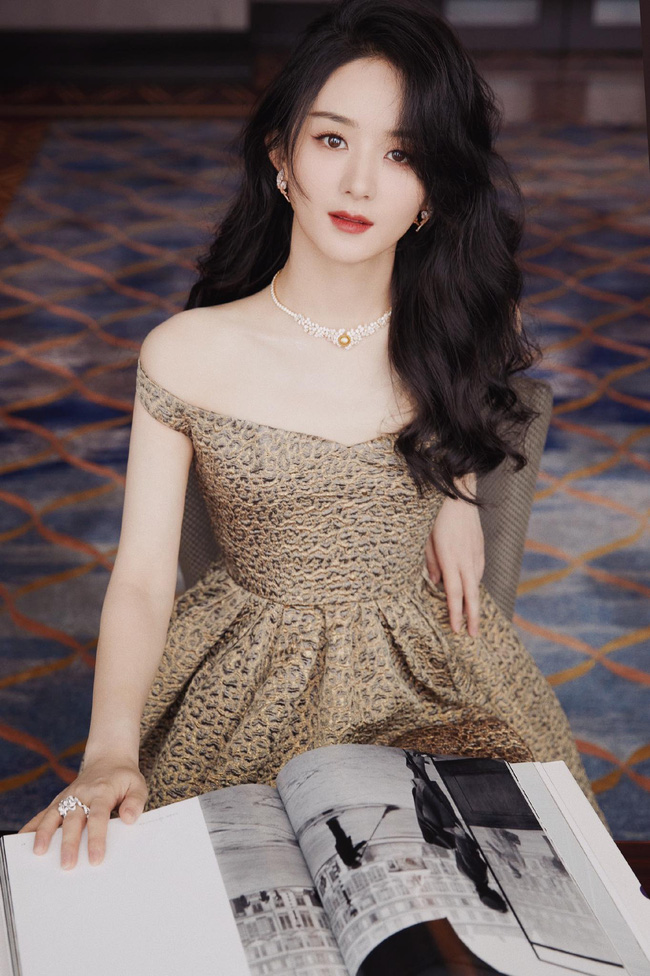 """Thảm đỏ nóng nhất Cbiz tối nay: Triệu Lệ Dĩnh đẹp lấn lướt """"đệ nhất mỹ nhân Bắc Kinh"""" Cảnh Điềm - Ảnh 3."""