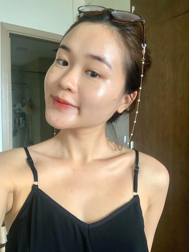 """Chăm da ngày giãn cách: Cô nàng da đẹp mĩ mãn, bật mí 5 tips skin care """"chủ chốt"""" khỉ ở nhà  - Ảnh 3."""