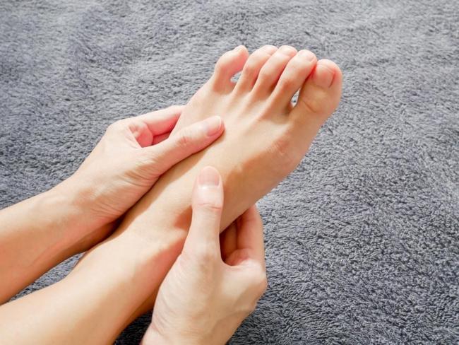 Bàn chân có 5 dấu hiệu này chứng tỏ đường huyết đang tăng cao, kiểm tra ngay sẽ giúp ngừa các biến chứng tiểu đường - Ảnh 6.