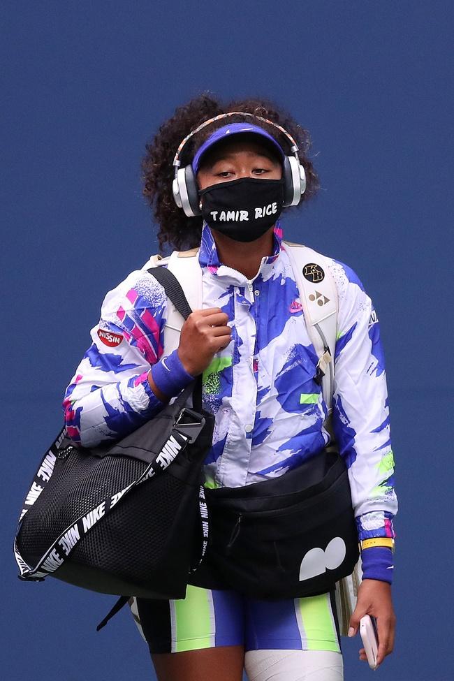 Chân dung nữ VĐV thắp đài lửa Olympic Tokyo 2020 gây bão MXH: Quyến rũ nóng bỏng, gửi lời cảm ơn Meghan với lý do đặc biệt - Ảnh 6.