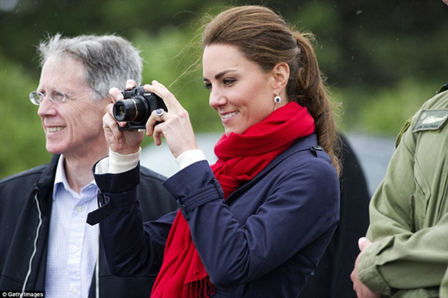 Công nương Kate tự công khai ảnh mới của - Ảnh 2.