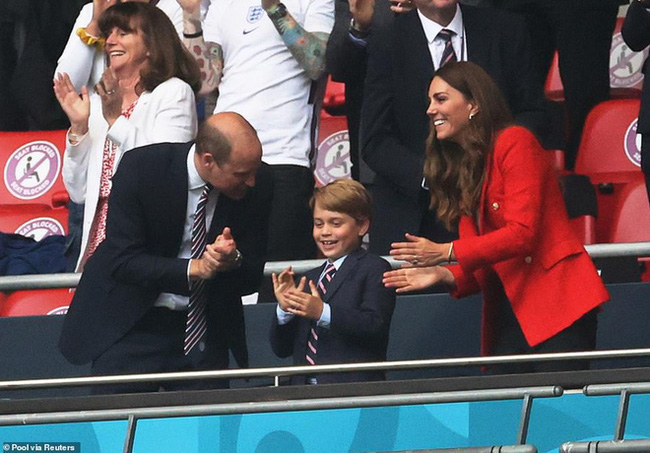 Công nương Kate tự công khai ảnh mới của - Ảnh 3.