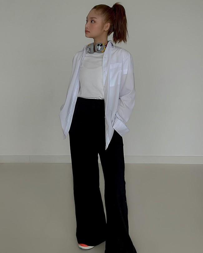 Style của Miu Lê thăng hạng ngỡ ngàng ở tuổi 30 nhờ lên đồ tinh giản hơn, bớt lòe loẹt đi - Ảnh 6.