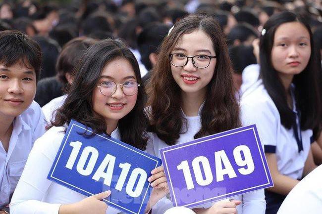 Sở Giáo dục TPHCM đề xuất xét vào lớp 10 cho cả hệ thường và chuyên - Ảnh 1.