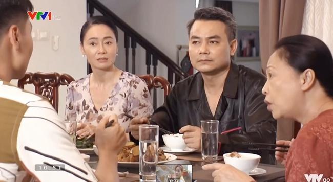 Hương vị tình thân phần 2: Nam xinh đẹp trở lại nhà Long sau 3 năm, bà Xuân tái mặt với tuyên bố của bà Dần - Ảnh 4.