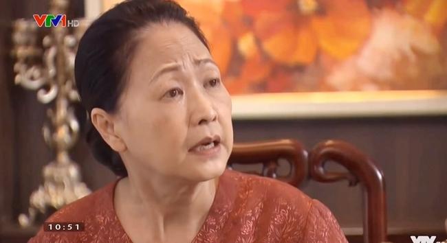 Hương vị tình thân phần 2: Nam xinh đẹp trở lại nhà Long sau 3 năm, bà Xuân tái mặt với tuyên bố của bà Dần - Ảnh 3.