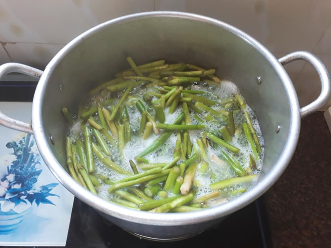 """Phương Nam của """"Hương vị tình thân"""" hóa ra lại đảm thế này, cứ rảnh là """"cooking"""" toàn món nhanh gọn, dễ làm và bổ dưỡng - Ảnh 14."""