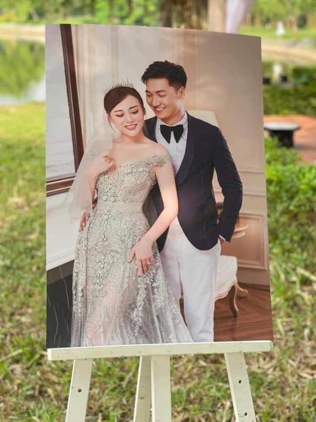 """Hương vị tình thân: Lộ thêm ảnh cưới """"không hề giả trân"""" của Long - Nam nhưng sao bà Dần lại thế này? - Ảnh 3."""