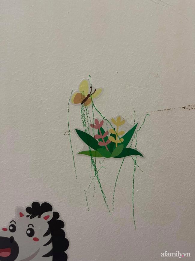 Nghiêm khắc với con vì chúng vẽ nguệch ngoạc lên tường, mẹ trẻ Hà thành nhận ra sai lầm lớn của mình khi đọc xong hai cuốn sách này cùng con - Ảnh 1.