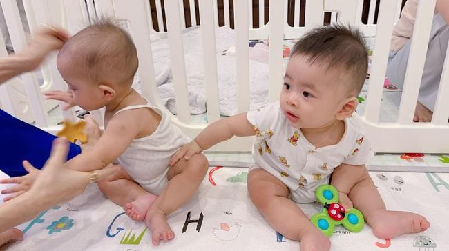 Vẻ ngại ngùng cực đáng yêu của Lisa nhà Hồ Ngọc Hà và con trai Dương Khắc Linh khi gặp nhau - Ảnh 3.