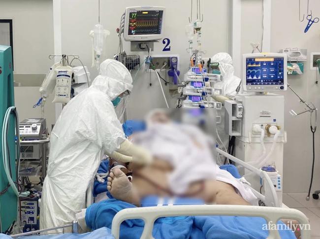 Nam bệnh nhân COVID-19 nặng đến 140 kg, phải chạy ECMO nguy kịch được bác sĩ Sài Gòn cứu sống - Ảnh 1.