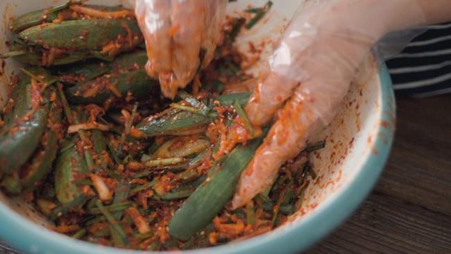 Mách bạn cách làm kim chi dưa chuột chuẩn vị Hàn ăn kèm món gì cũng ngon - Ảnh 9.