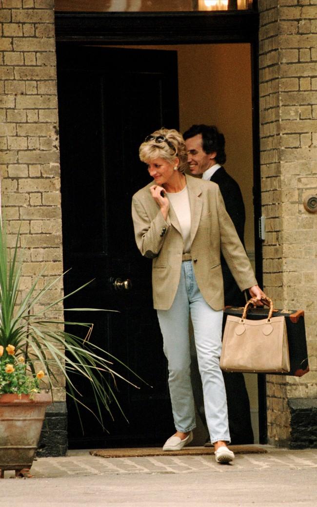 """Túi xách Gucci yêu thích của Công nương Diana được cải biên lại, và đang khiến giới mộ điệu """"đứng ngồi không yên"""" - Ảnh 3."""