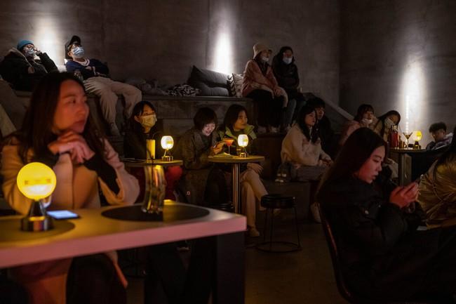"""Giới trẻ Trung Quốc kéo nhau nghỉ việc và """"nằm yên mặc kệ"""" sự đời, chính phủ đau đầu và quyết định ra tay ngăn chặn - Ảnh 2."""