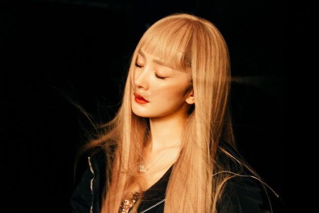 """34 tuổi mới """"thèm"""" nhuộm tóc chất chơi, Dương Mịch giống Taeyeon như tạc - Ảnh 4."""