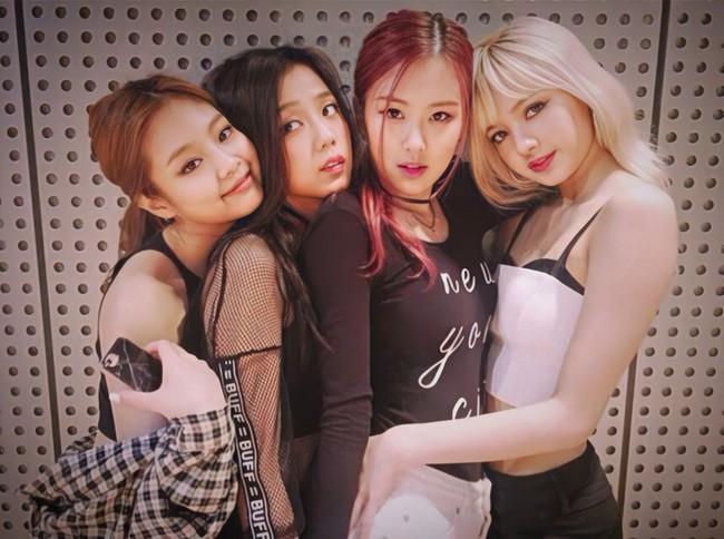 """Gu thời trang """"không phải dạng vừa"""" của Black Pink trước khi debut: Jennie có kiểu tóc cực chơi, Rosé """"bén"""" hơn hẳn hiện tại - Ảnh 5."""