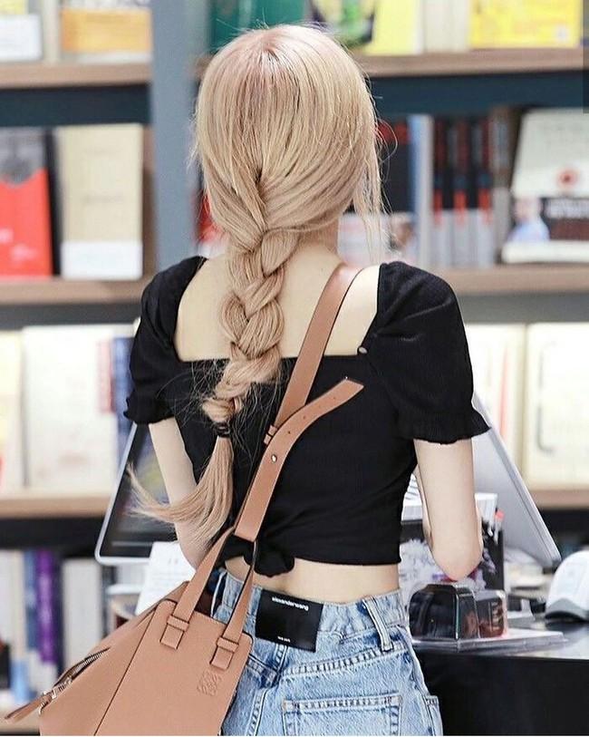 Bóc mẽ 3 tips giúp Rosé buộc tóc luôn sang chảnh và xinh đẹp hơn người - Ảnh 4.